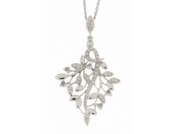 Detailed Leaf Pendant